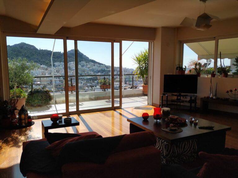 Living Room Q